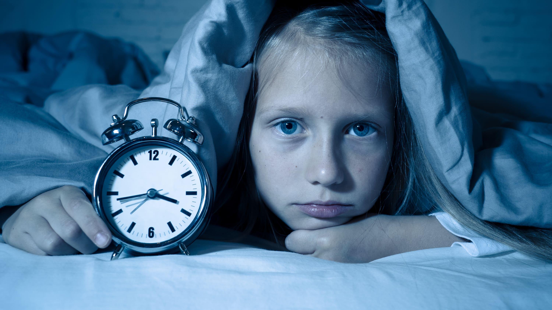 girl not getting sleep, in need of sleep training