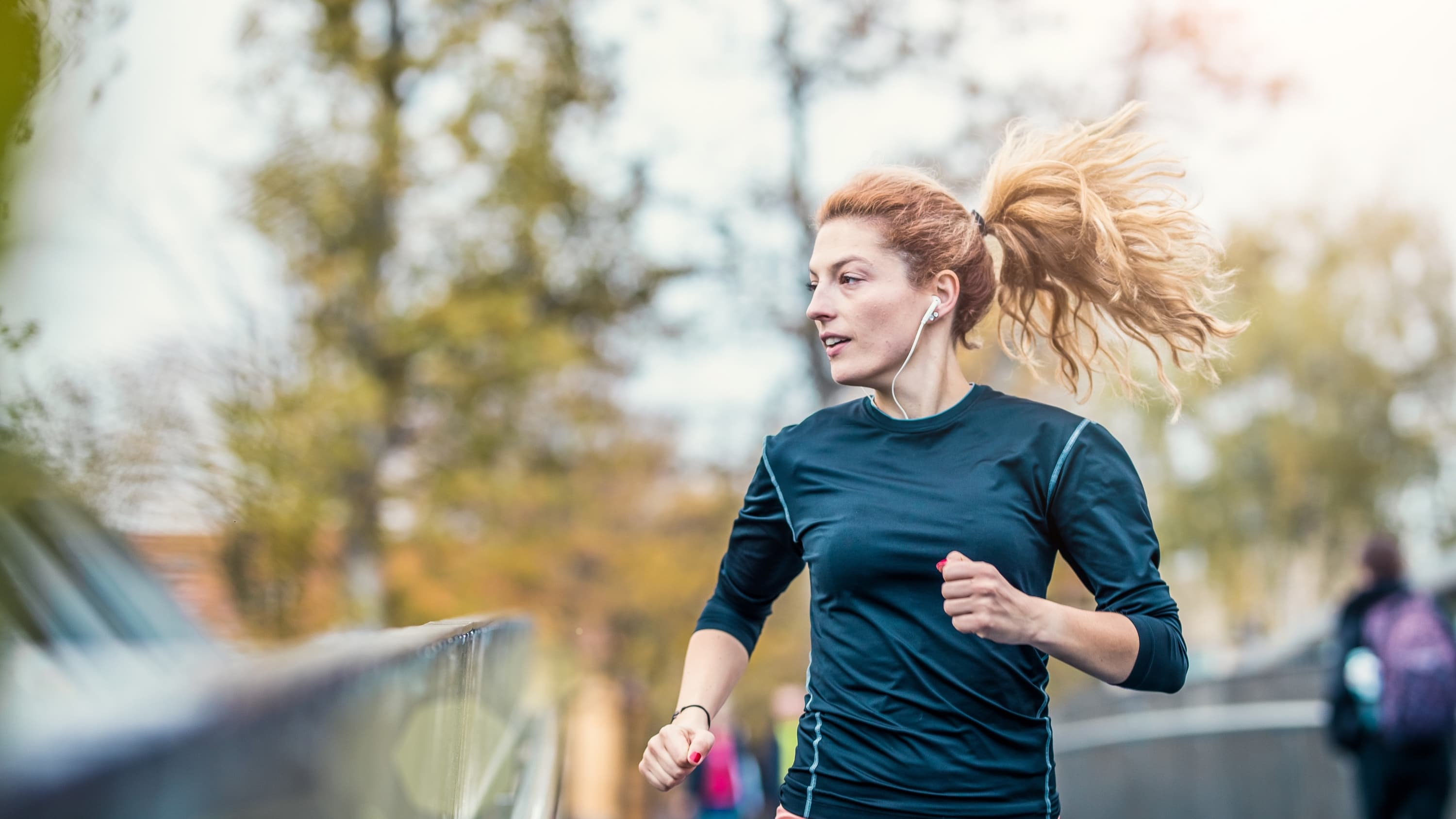woman running after properly stretching