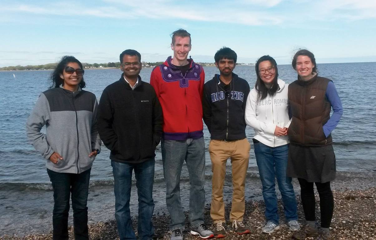 Mariappan Lab Members at the beach