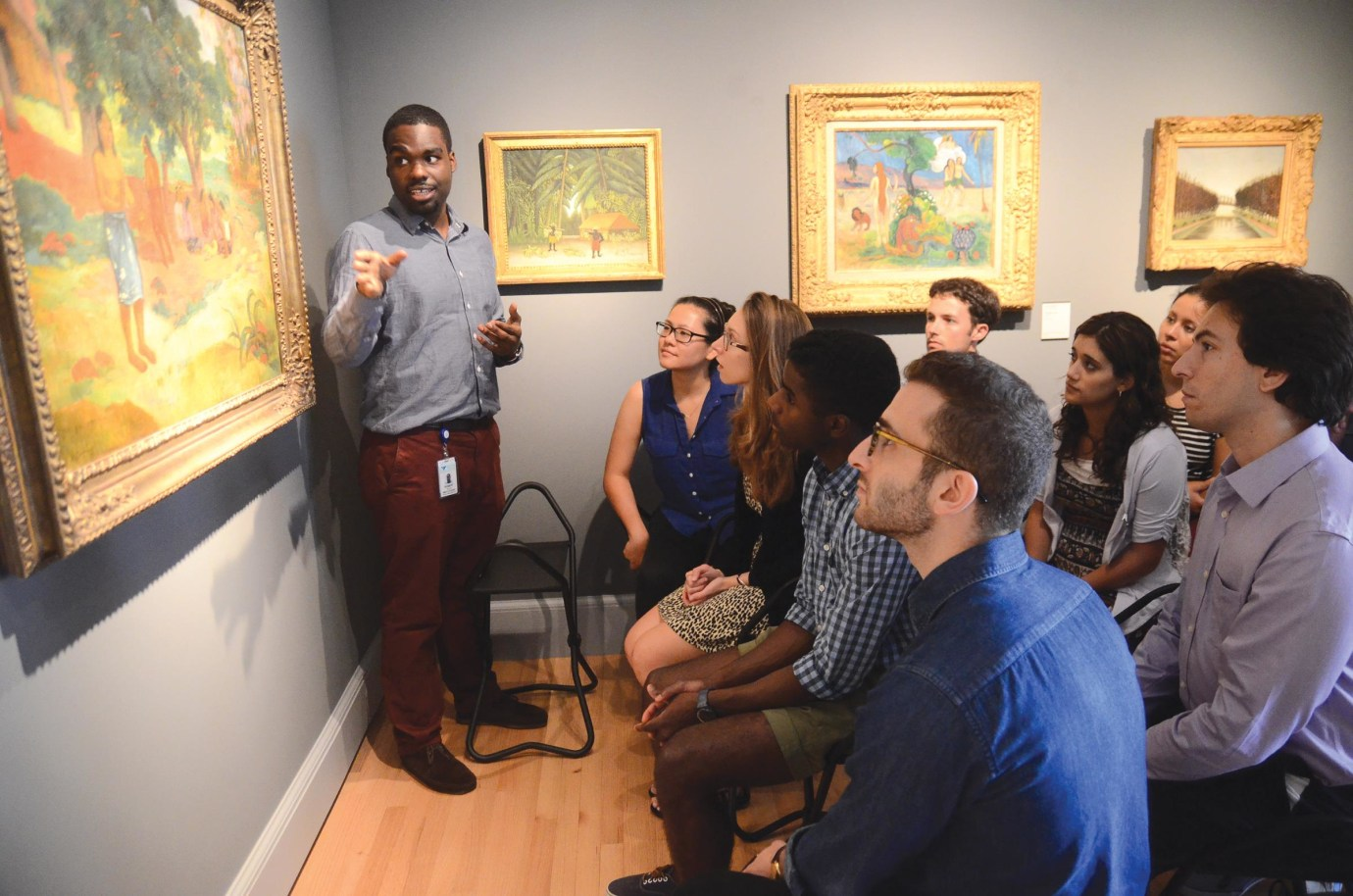 Medical student Robert Rock led first-years on a tour of the Yale University Art Gallery