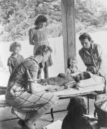 During World War II Horstmann traveled as a member of the Yale Poliomyelitis Study Unit to Hickory, N.C., site of one of the worst outbreaks in the 20th century.