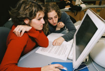 First-year students using a computer during a histology class