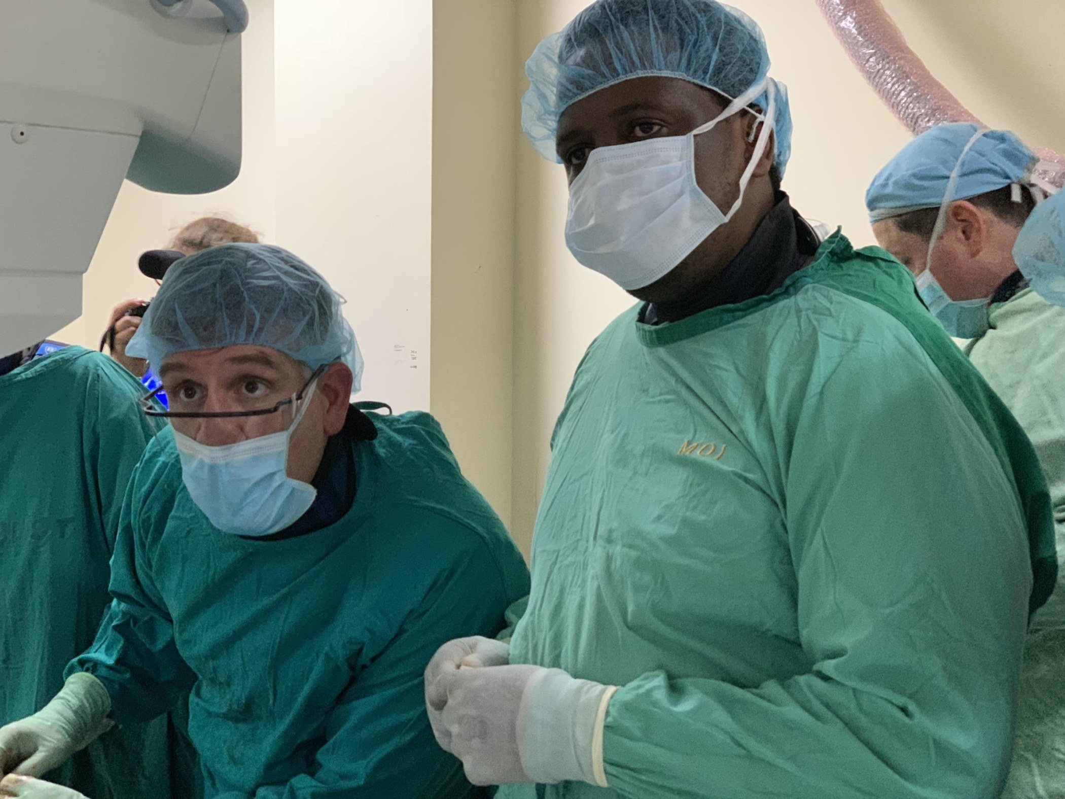 Drs. David Prologo from Emory and Erick Mbuguje from Muhimbili during a biliary drain placement.