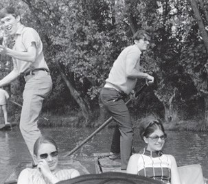 Punting on the River Cam was another attraction of Cambridge. Tom Steitz, with pole on right, and Joan Steitz, seated on right, joined Richard Henderson and his wife, Penny, on the river in 1969. Richard Henderson, now the director of the LMB, was a postd