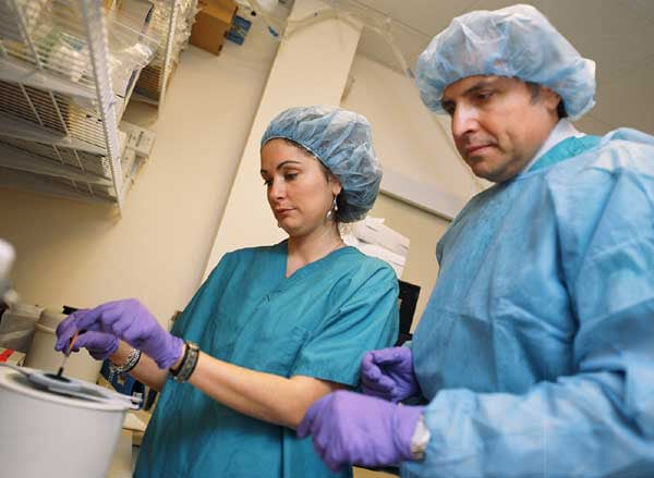 Veronica Bianchi working with Pasquale Patrizio at the Yale Fertility Center