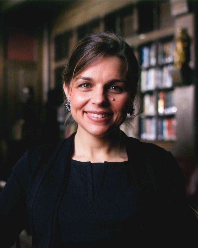 Ania Jastreboff
