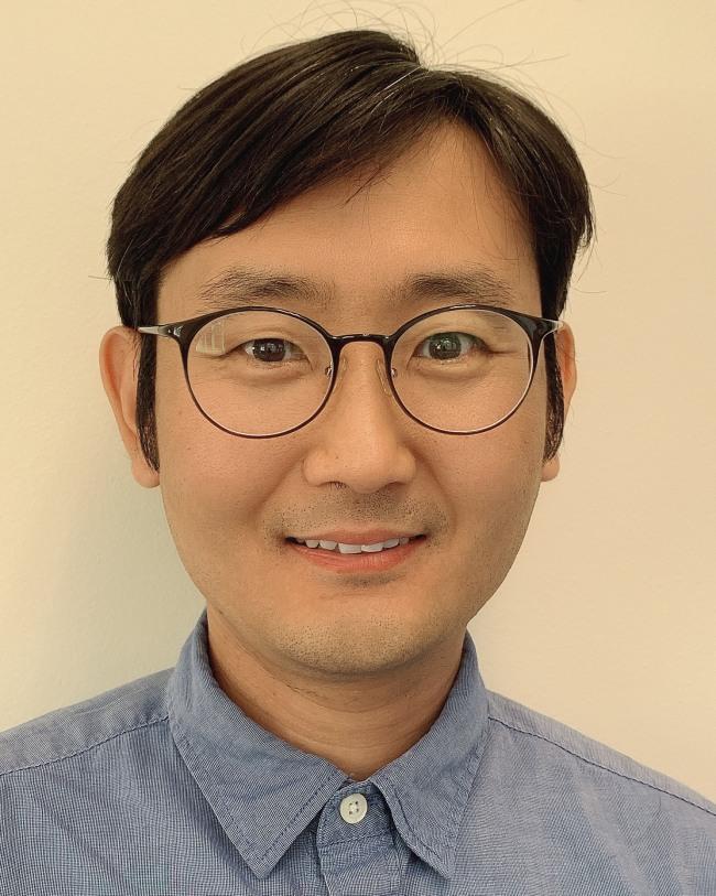 Sean (Seong) Lee
