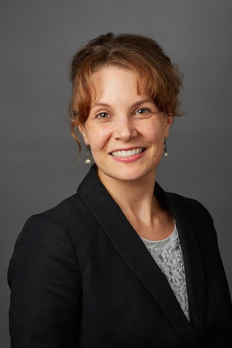 Suzanne Decker