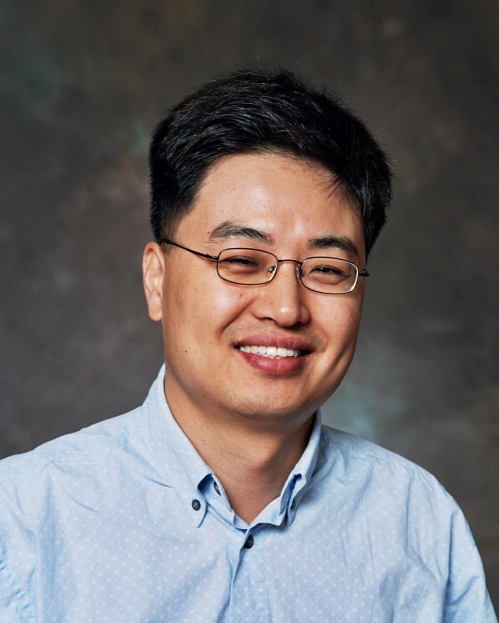 Min-Jong Kang