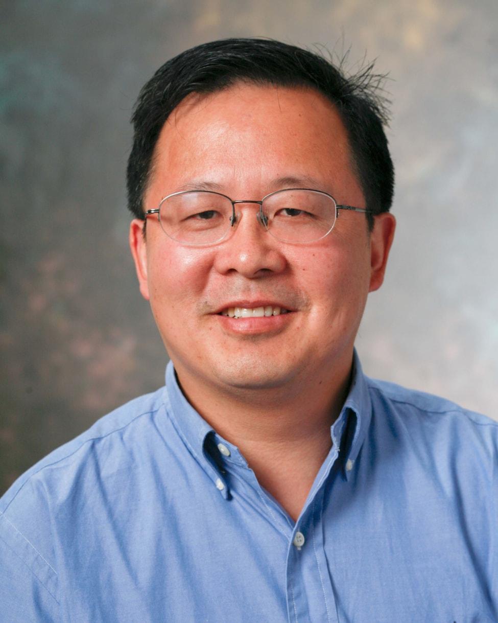 Zhenwu Zhuang
